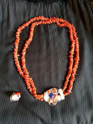 Collana e anello in corallo