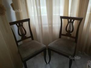 Due sedie in legno