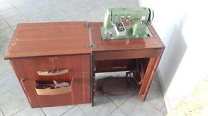 Macchina da cucire vintage anni '50