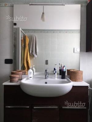 Mobile bagno con lavabo e miscelatore Ideal Standa