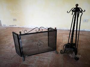 Parascintille e kit accessori per caminetto