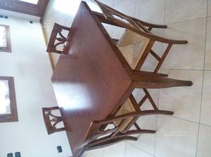 Tavolo in legno 110x110 completo di 4 sedie