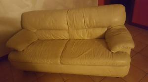 Vendo due divani a 300