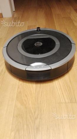 I Robot Roomba aspirapolvere