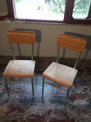 Sedie in legno e alluminio