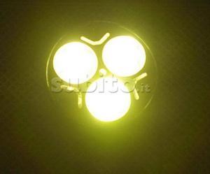 "Lampada a LED ""E14"" (attacco piccolo) con 3 LED"