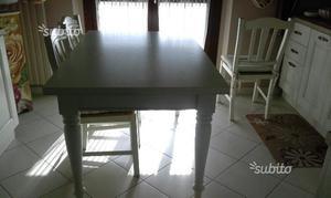 Tavolo in legno massello bianco