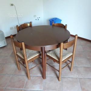 Tavolo noce e 4 sedie in paglia