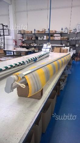 Tenda fiocchi in lino nuova di mastro raphael posot class for Tenda da sole usata