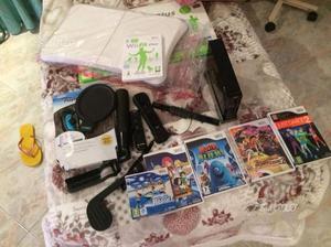Nintendo Wii nera con wii fit plus e giochi