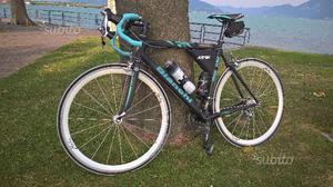 Bici corsa Bianchi carbonio