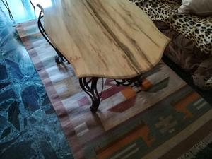 Tavolino basso in marmo