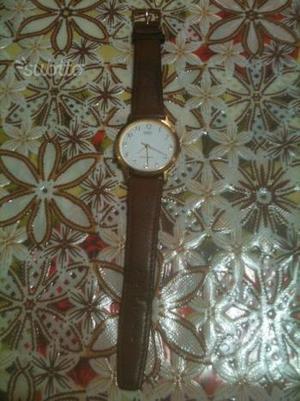 Orologio casio con cinturino di pelle marrone