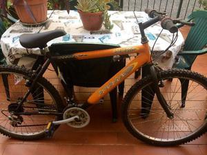 2 mountain bike con cambio 18V