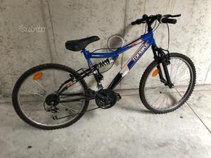 Bicicletta mountain bike ragazzo
