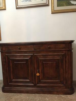 mobile in legno massello