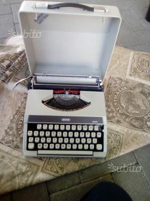 Macchina da scrivere bmb 200
