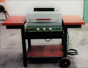 Barbecue a gas nuovo mai usato e pietra lavica