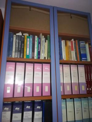 Libreria Chiusa Con Ante In Vetro.Libreria Billy Con Ante In Vetro Posot Class