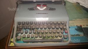 "Macchina da scrivere ""Olivetti """