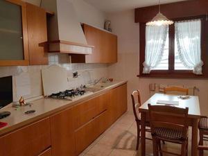 Cucina completa in rovere + Camera completa in noce