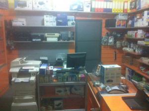 Arredamento completo negozio + stock cancelleria