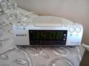 Radiosveglia FM AM Sony
