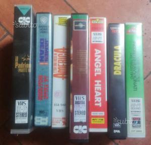 Blocco n.34 cassette vhs vecchi film e non solo