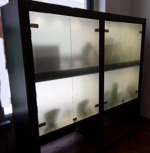 Vetrina espositiva con illuminazione a led