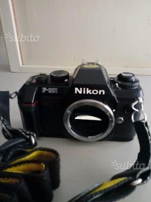 Fotocamera reflex analogica Nikon F301