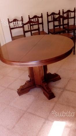 Tavolo tondo allungabile in legno come nuovo