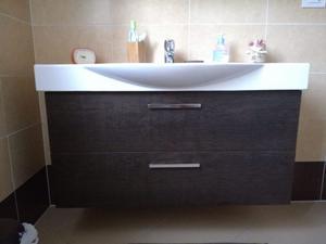 Vendo Mobile bagno e specchiera contenitrice