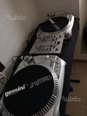 Giradischi e mixer deejay