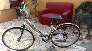 Bicicletta da passeggia 28 alluminio Cubes
