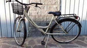 """Bicicletta donna 26 """" usata pochissimo"""