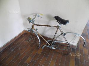 Telaio vecchia bici da corsa Motobecane