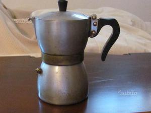 Vecchia caffettiera stella