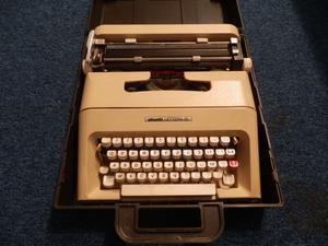 macchina da scrivere OLIVETTI LETTERA 35 DEL