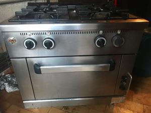 Cucina professionale su forno a gas