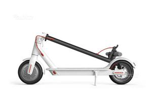 Monopattino elettrico simil Xiaomi scooter Mi M365
