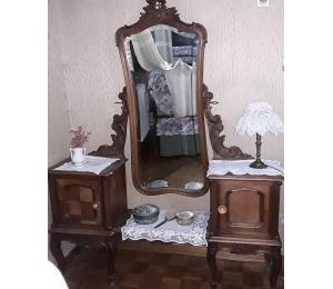 Camera matrimoniale in noce di fine '800