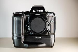 FOTOCAMERA NIKON F90X