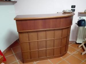 Mobile bar con parete