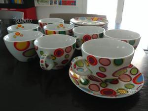 Servizio tazze da tè con piattino
