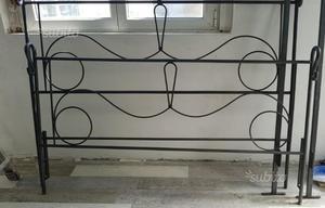 Struttura letto in ferro battuto