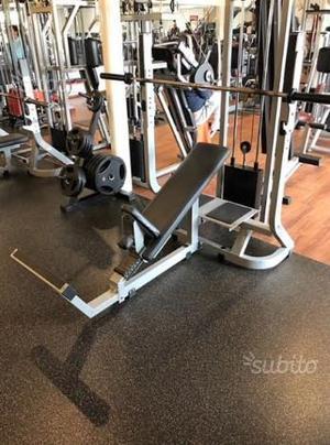 Technogym Pure Strength Incline Bench Press