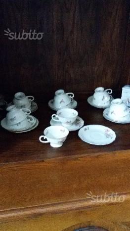 Nr.3 servizi da tea caffe' in porcellana