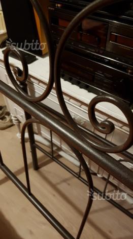 Spalliera letto in ferro battuto