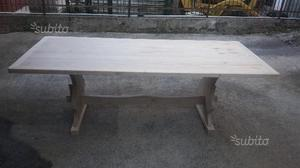 Tavolo in legno massello di castagno