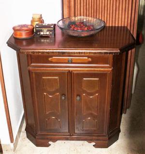 elegante e sobrio mobiletto a due ante legno massello